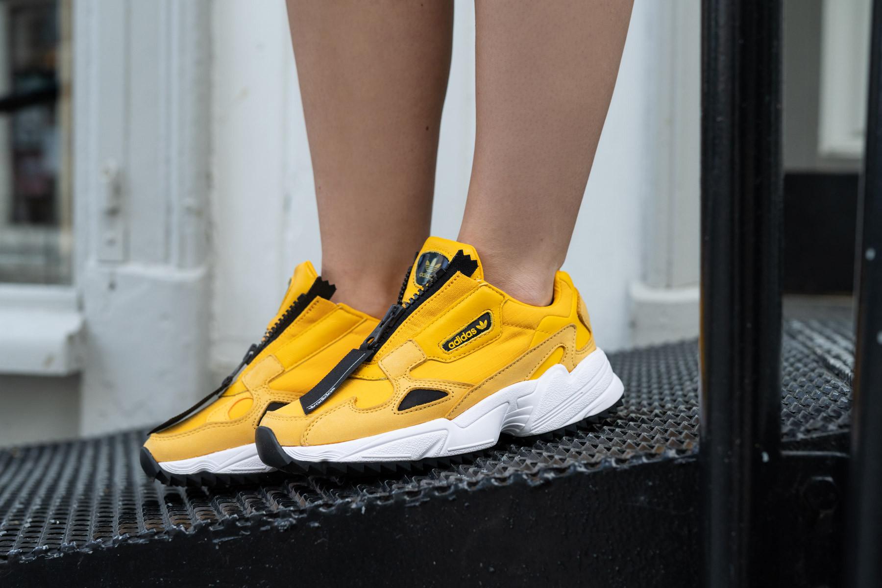 W Adidas Falcon Zip - Sneaker.no