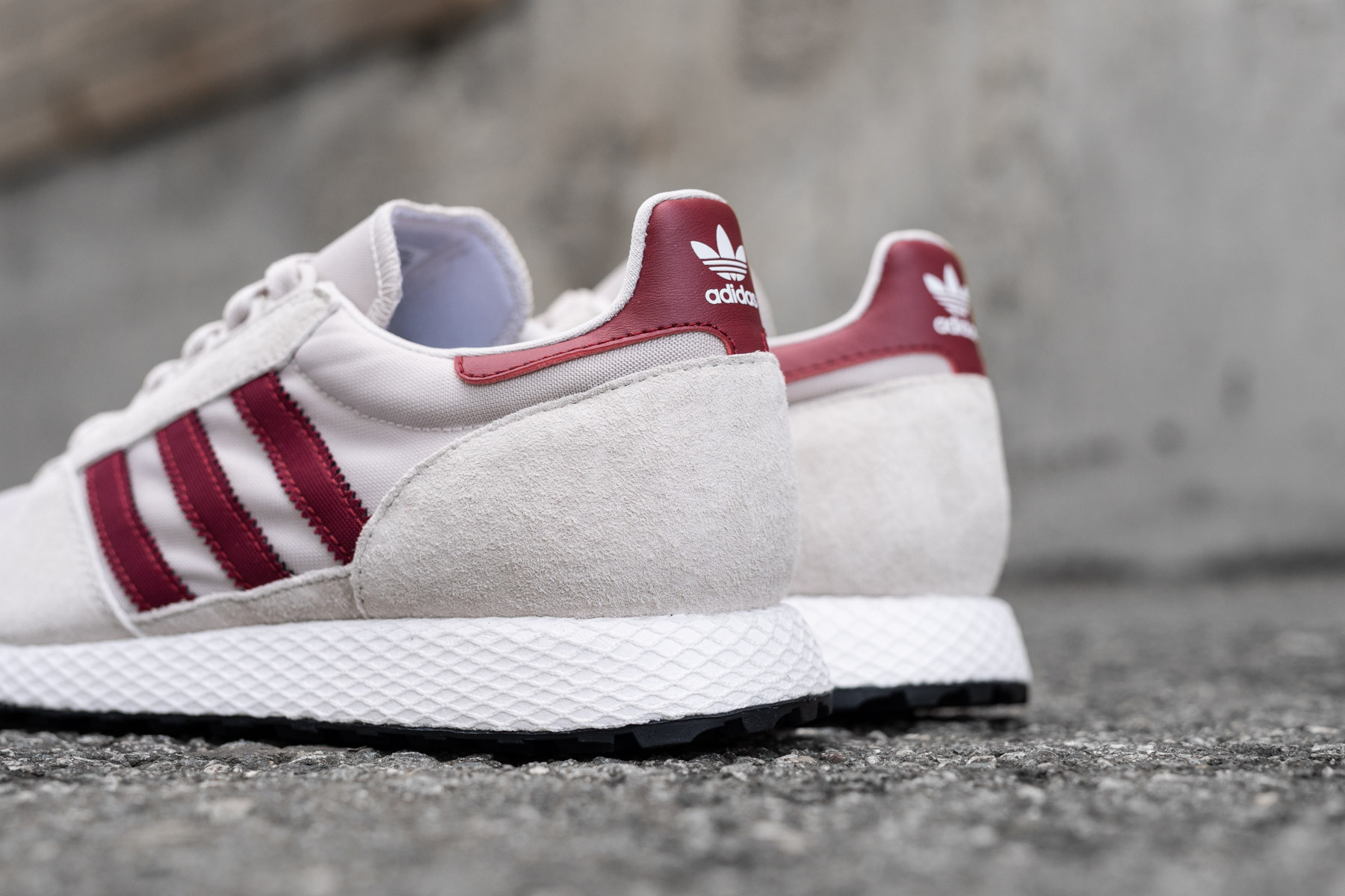 premium selection 0ea6a e0351 W Adidas Forest Grove