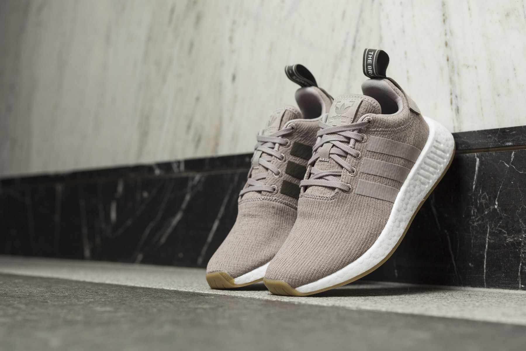 a3e0b2a40 Adidas NMD R2 - Sneaker.no