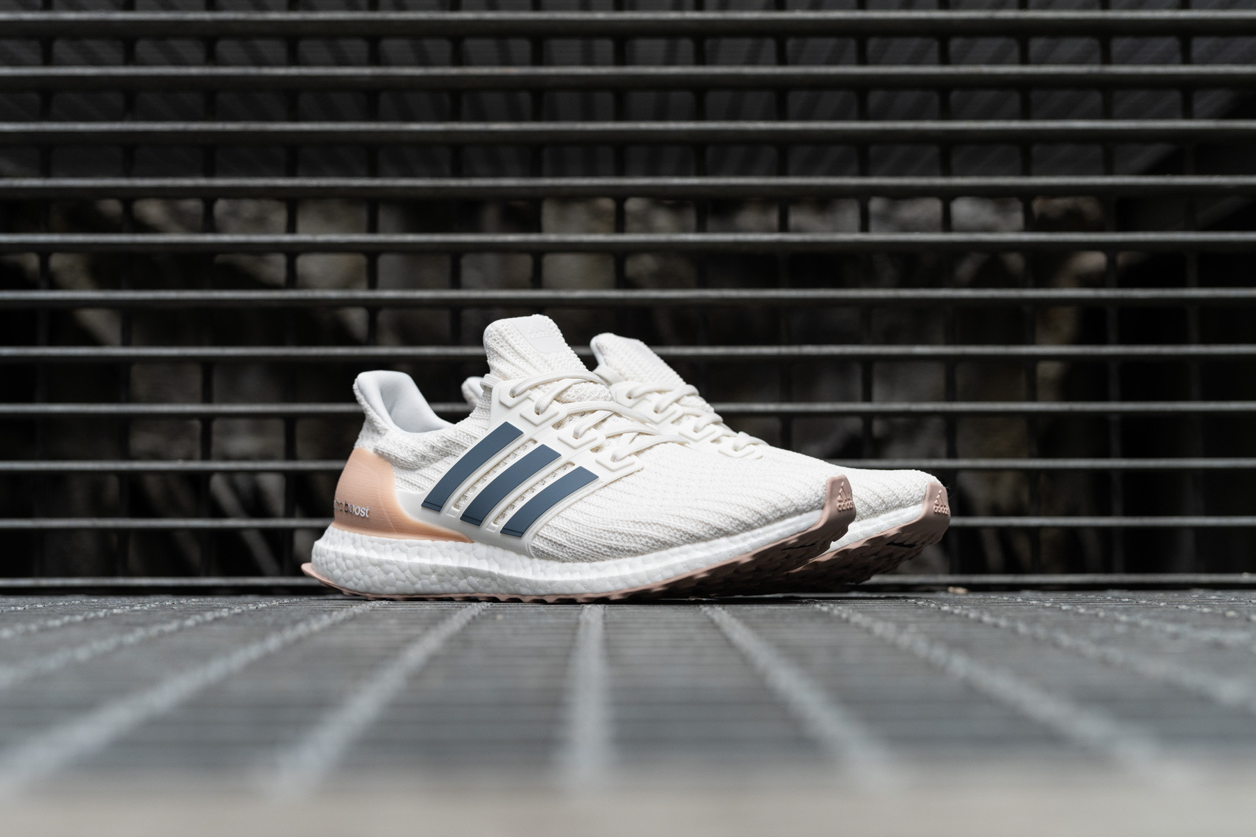 Adidas UltraBOOST Low top Sneakers Sneaker.no