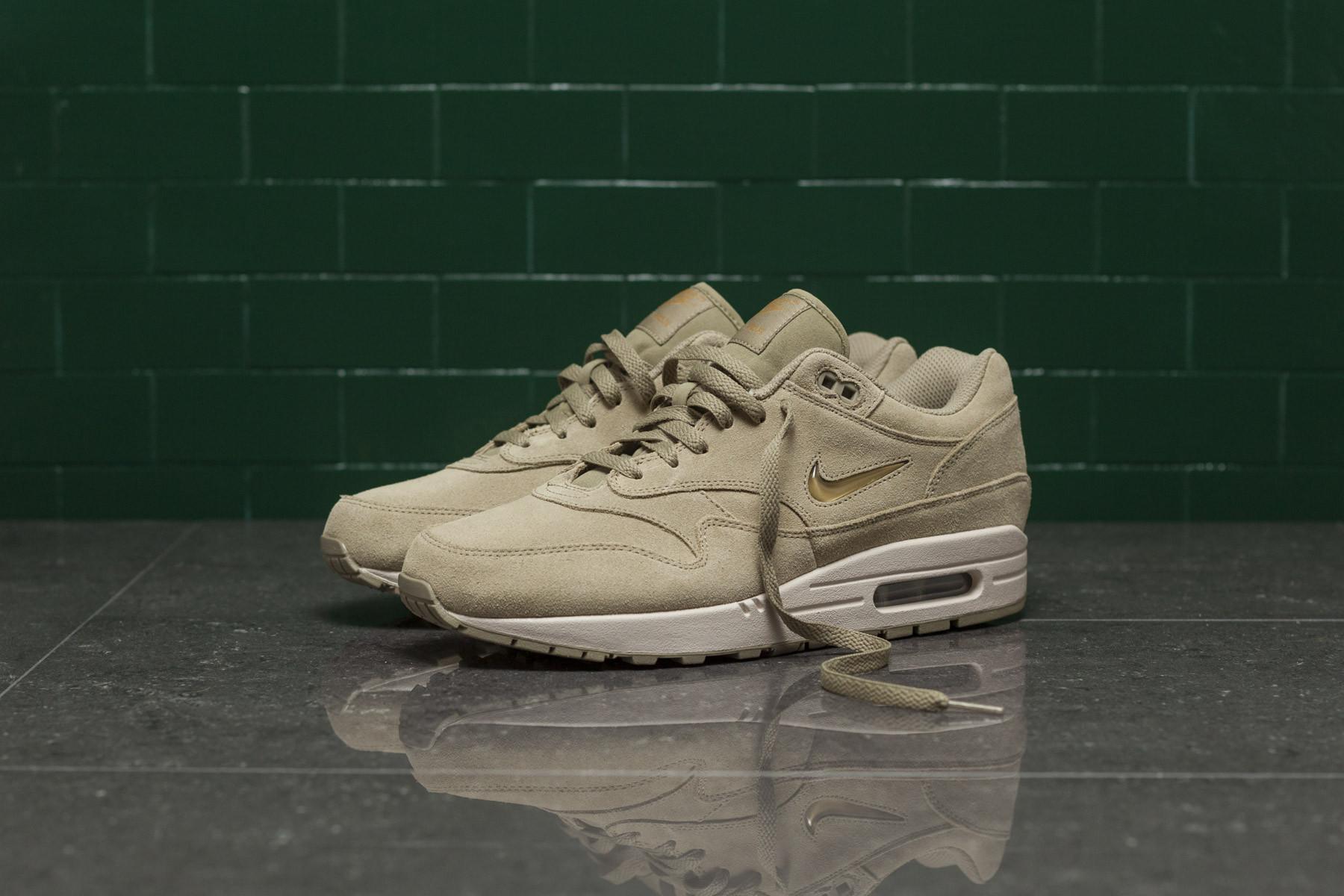new style ea7c1 e1f6b Nike Air Max 1 PRM SC