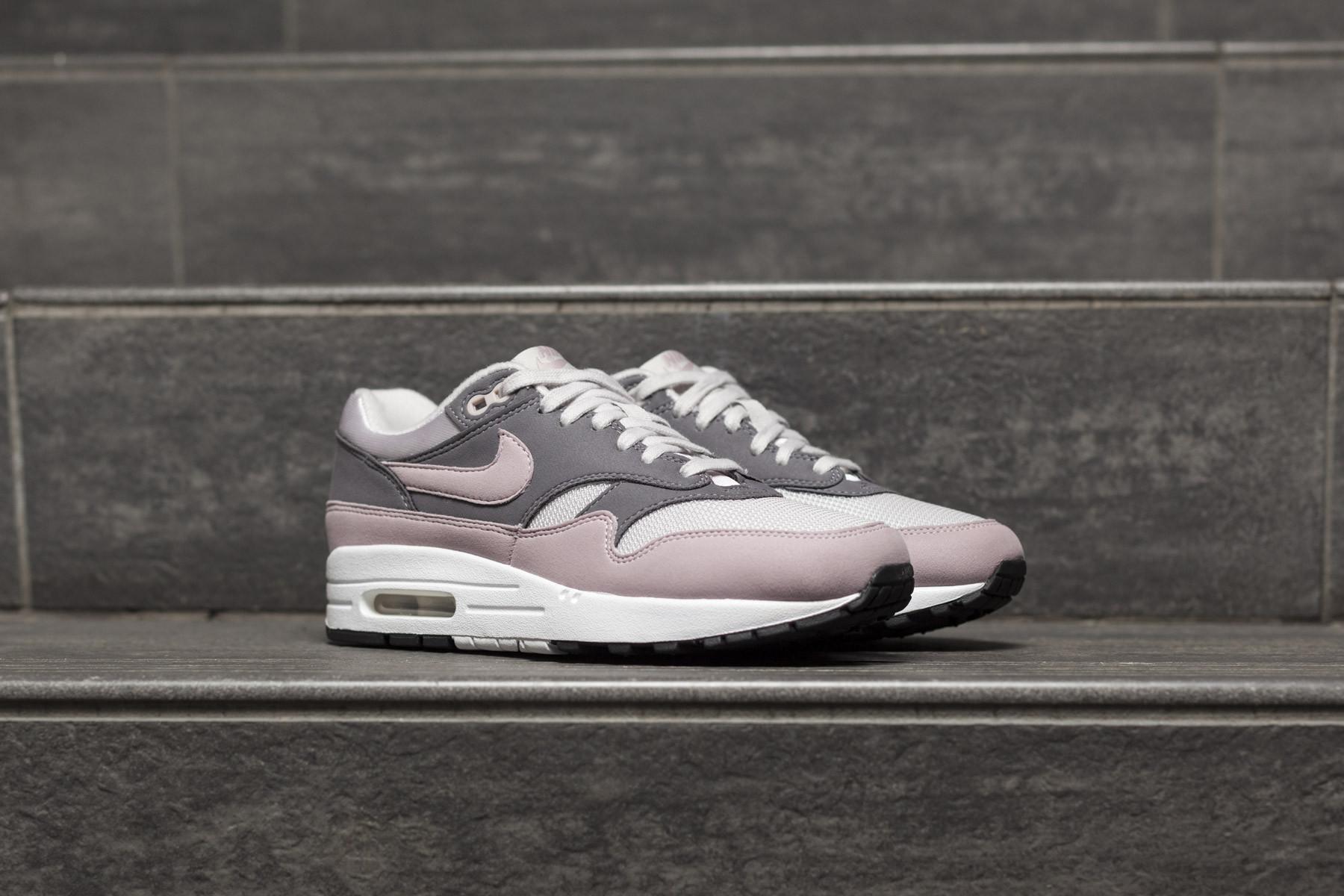Nike Air Max 1 Vast Grey Particle Rose | HYPEBAE