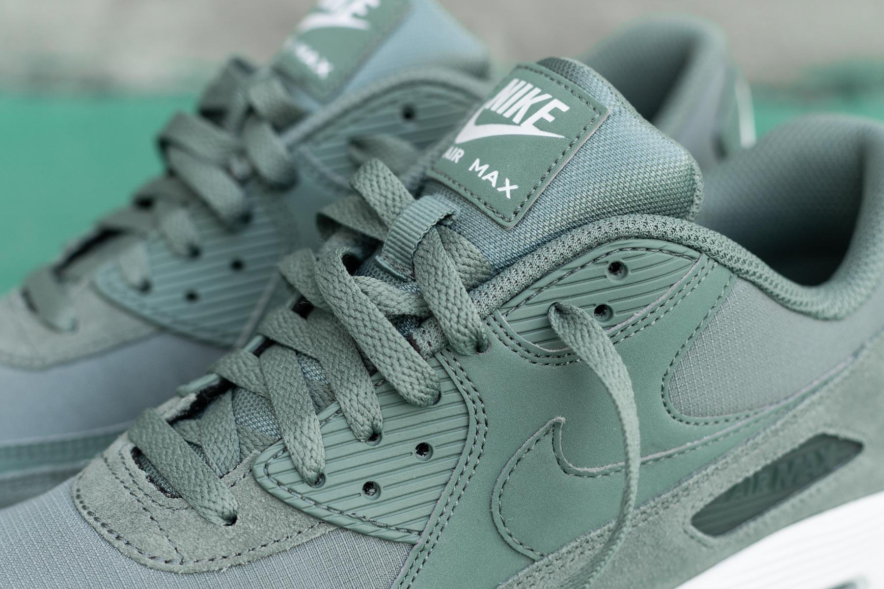 nike air max 90 essential green