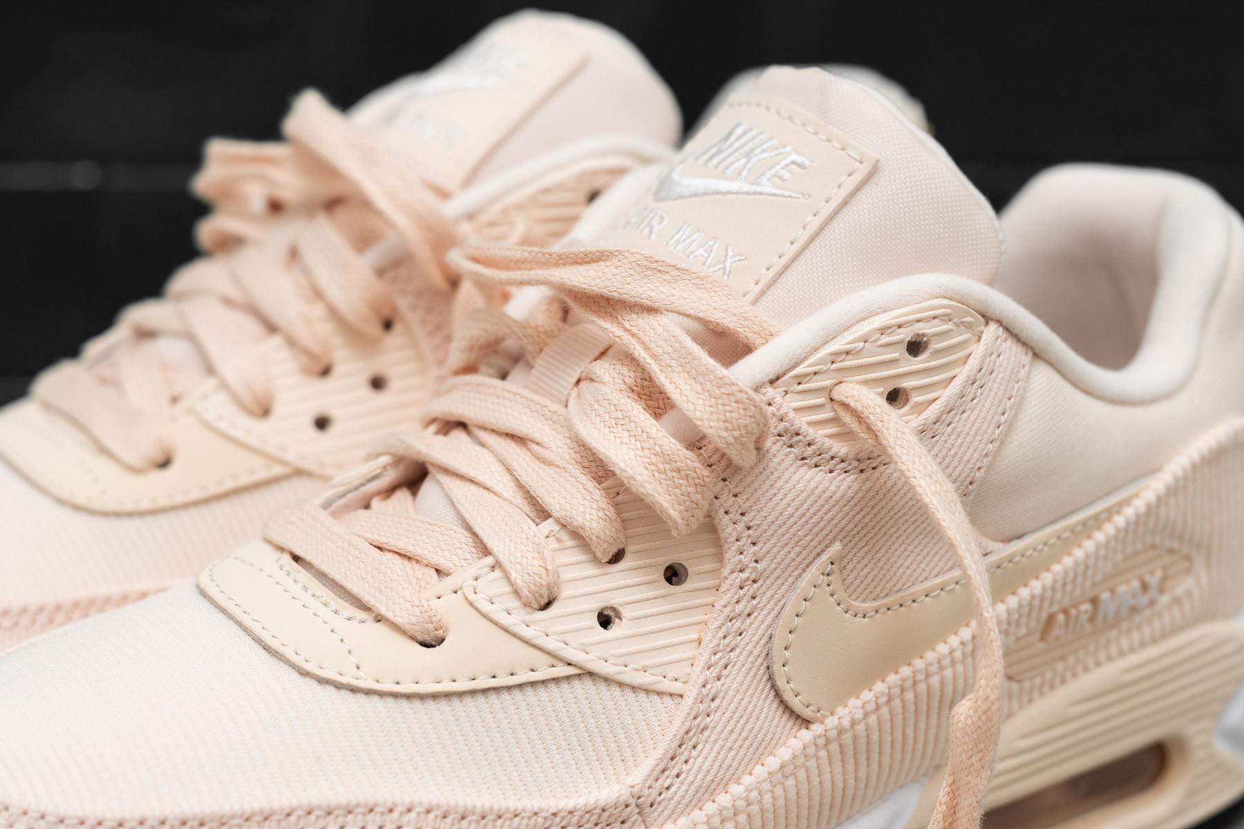 c80afa3cbde875 W Nike Air Max 90 LEA - Low-top - Sneakers - Sneaker.no