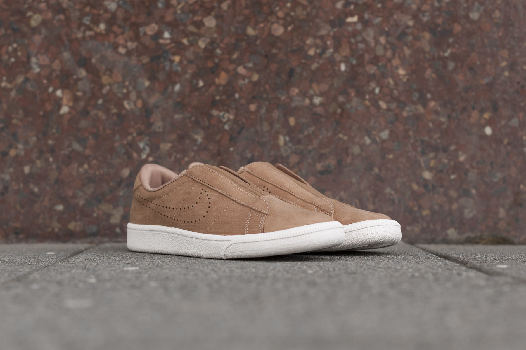 new styles 4fb50 a3639 Wmns Nike Tennis Classic Ease - Sneakers - Sneaker.no