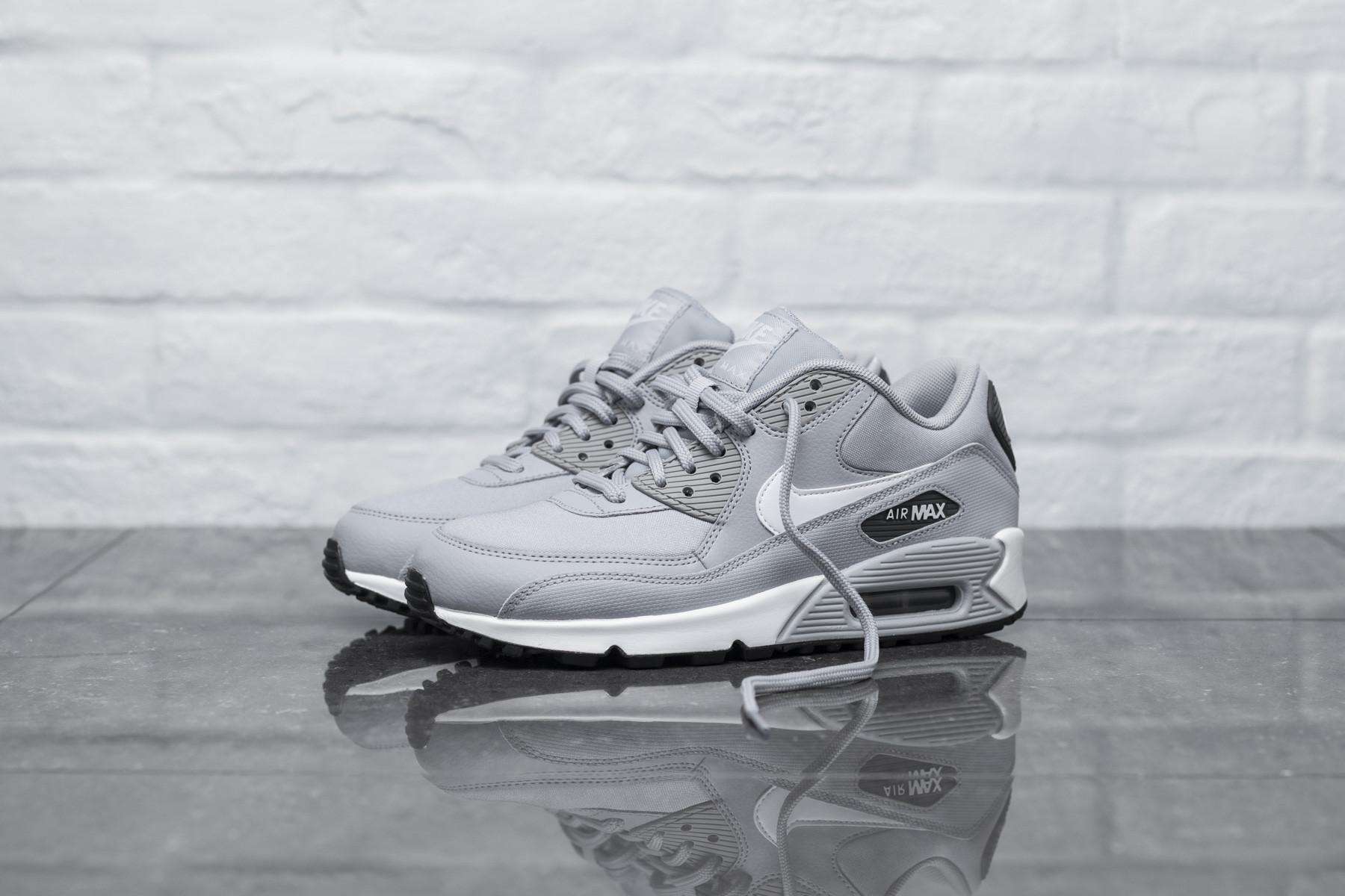 Wmns Air Max 90 Greywhite dark Grey black
