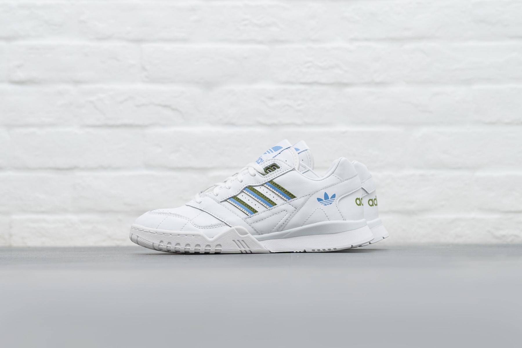 W Adidas A.R. Trainer Sneaker.no