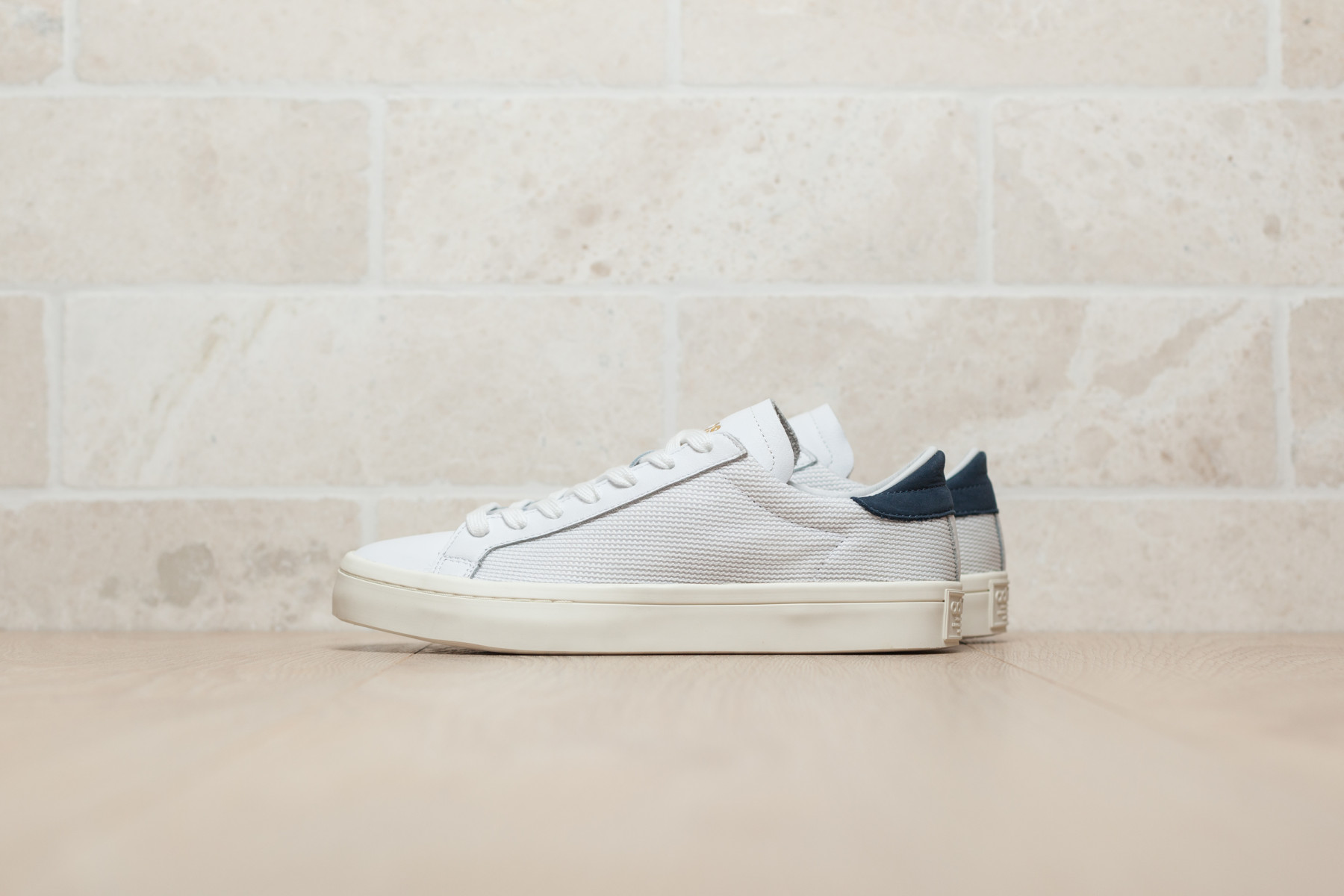 Tênis Adidas Courtvantage Slip On W | Zattini