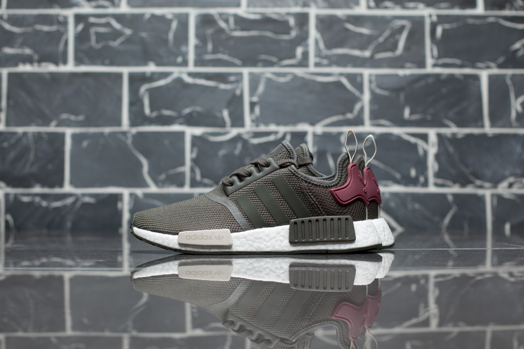 Adidas NMD_R1 W Dame Sneakers Sneaker.no