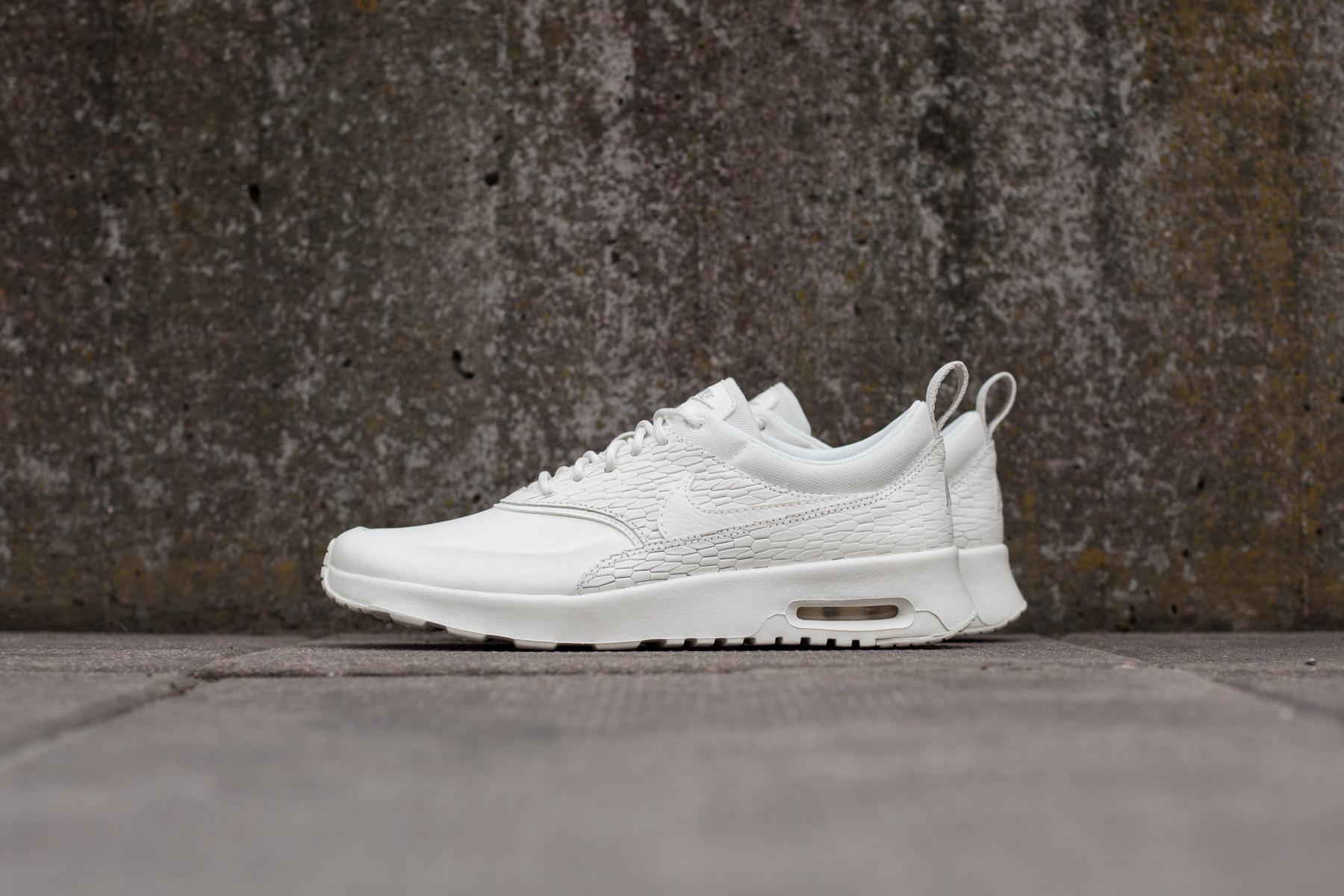 Nike Air Max Thea Joli | White | Sneakers | 725118 100