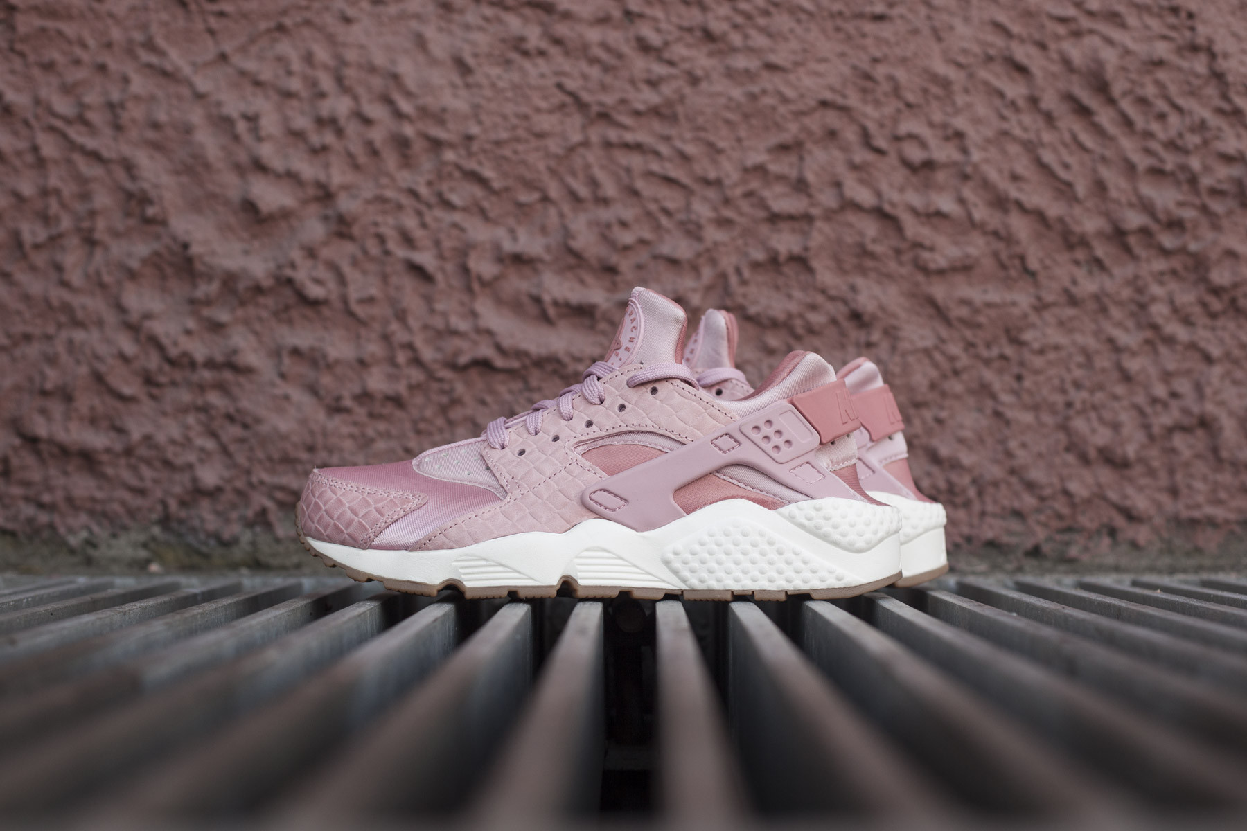 best cheap fb9bc 9078a Wmns Nike Air Huarache Run Prm