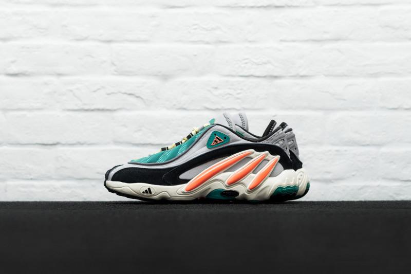 W Adidas FYW 98