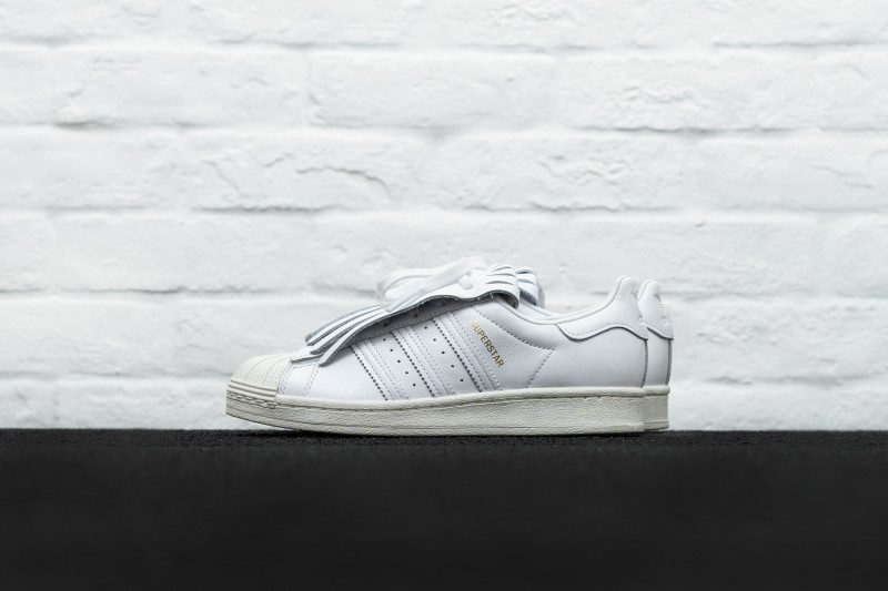 W Adidas Superstar FR