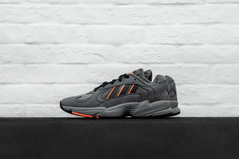 W Adidas Yung-1