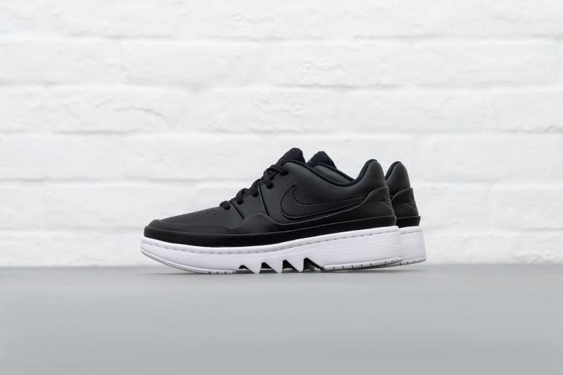 W Nike AJ1 Jester XX Low Laced