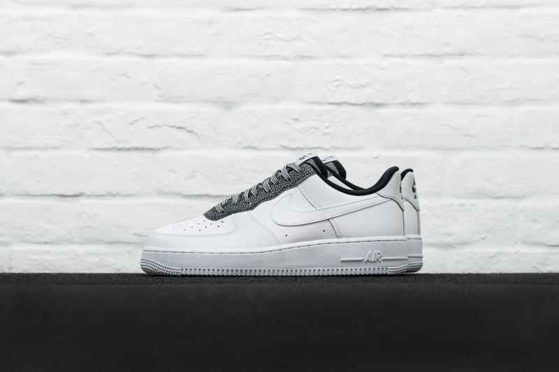 Nike Air Force 1 `07 LV8