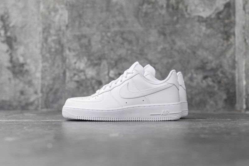 W Nike Air Force 1`07