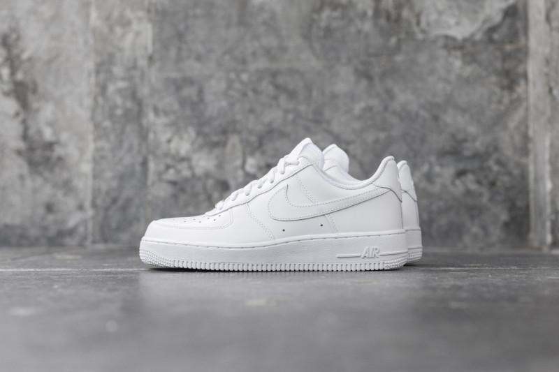 W Nike Air Force 1`07