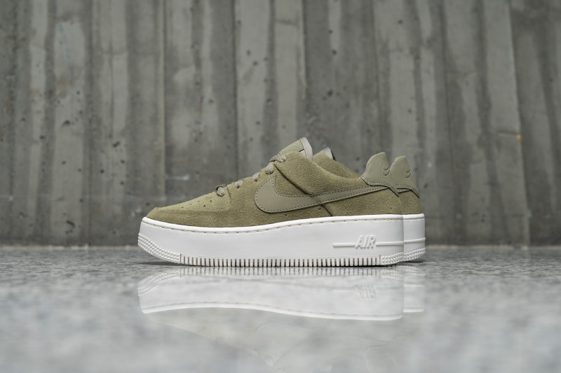 W Nike Air Force Sage Low