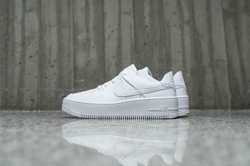 W Nike Air Force 1 Sage Low
